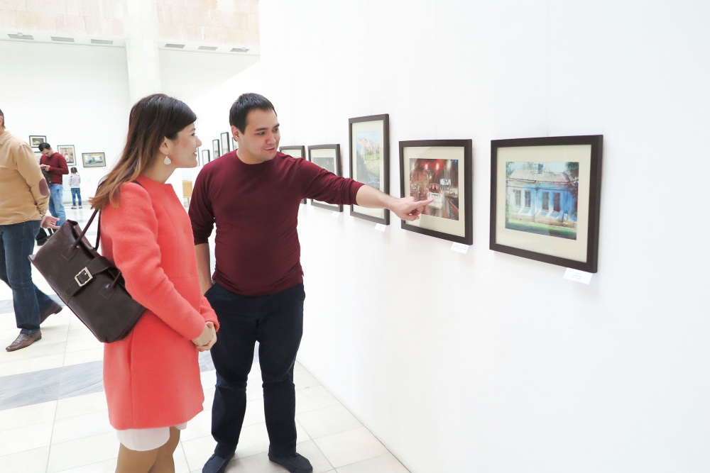"JSCB ""ASIA ALLIANCE BANK"" team visited the exhibition of  Yevgeniy Panov"